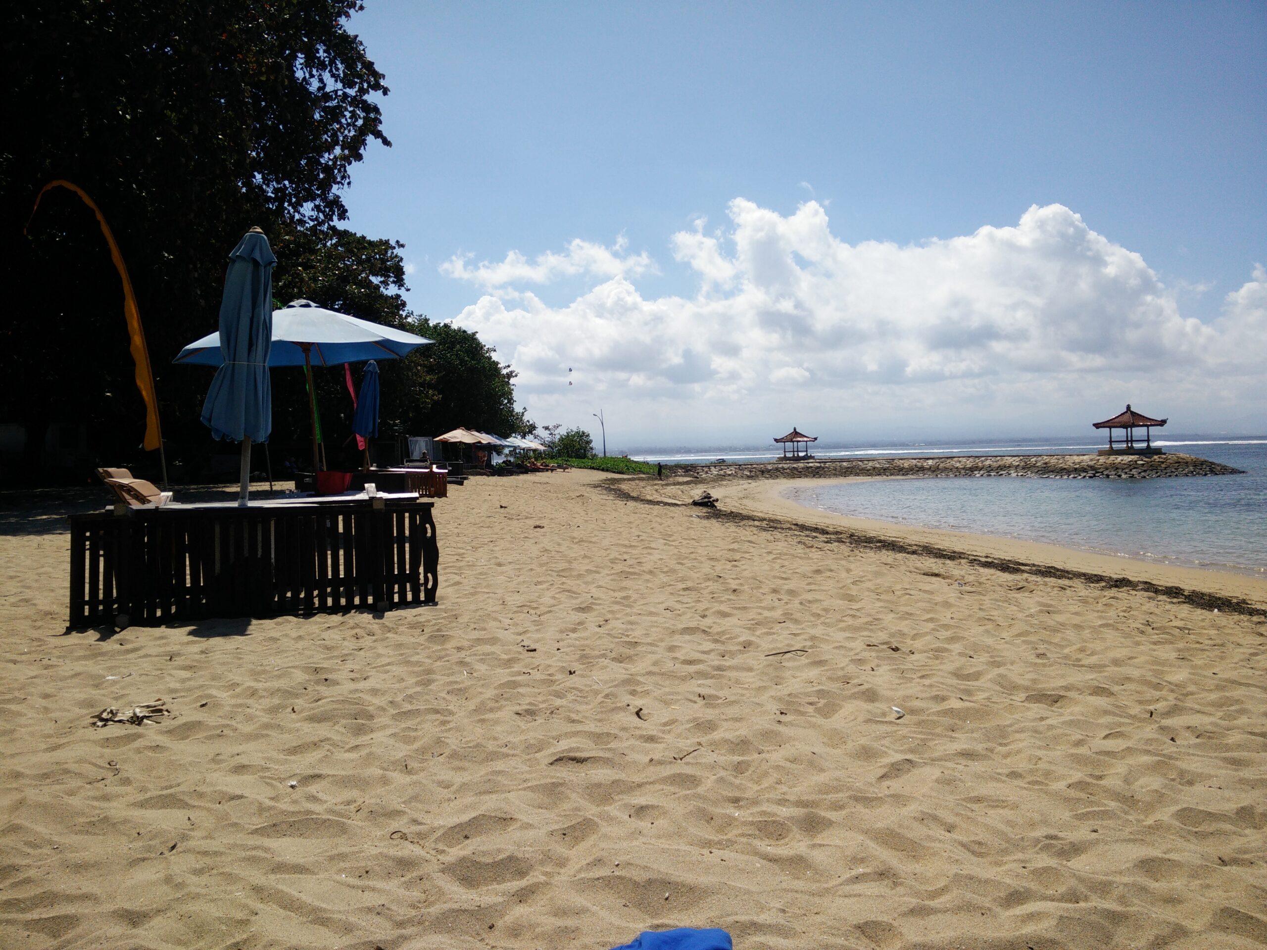 Cleanup Werdhapura Beach
